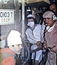 Во время подготовки индийского космонавта Ракеша Шармы (слева).